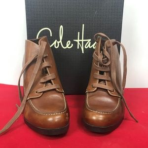 Amazing lace up Cole Haan booties 6.5 EUC Nikeair
